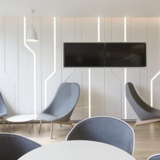 Delivery of a staff room - HEC - France
