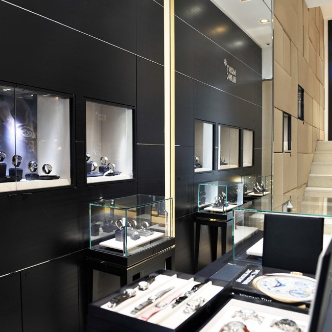 Construction works for a luxury street store   - Montblanc - Portugal