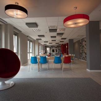 A bold office design with a local touch - BOOKING.COM - Italy