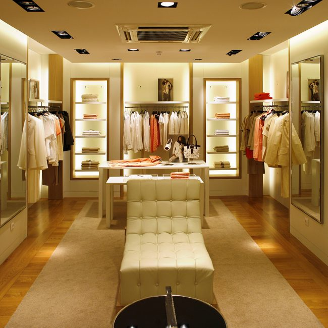 Construction works for a new luxury brand store - BURBERRY - Portugal