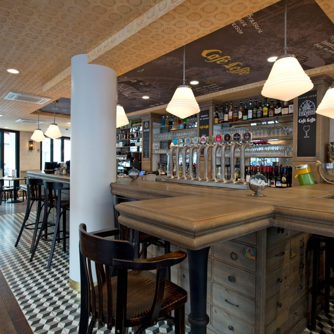 Design and delivery of a brasserie restaurant - CAFE LEFFE - France