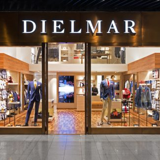 Refurbishment of a store in a shopping centre  - Dielmar - Portugal