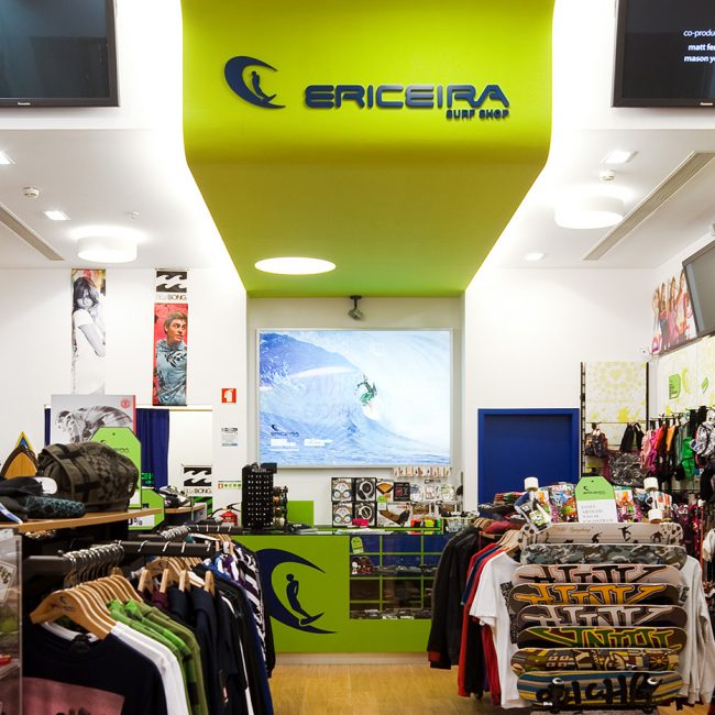 Construction works for a new store in a shopping centre  - Ericeira Surf Shop - Portugal