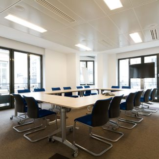 Delivery of offices in general contractor mode - IHS - France
