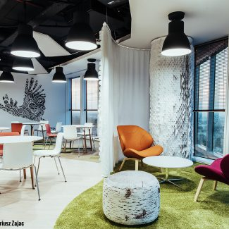 Smart office in Polish style - JLL - Poland