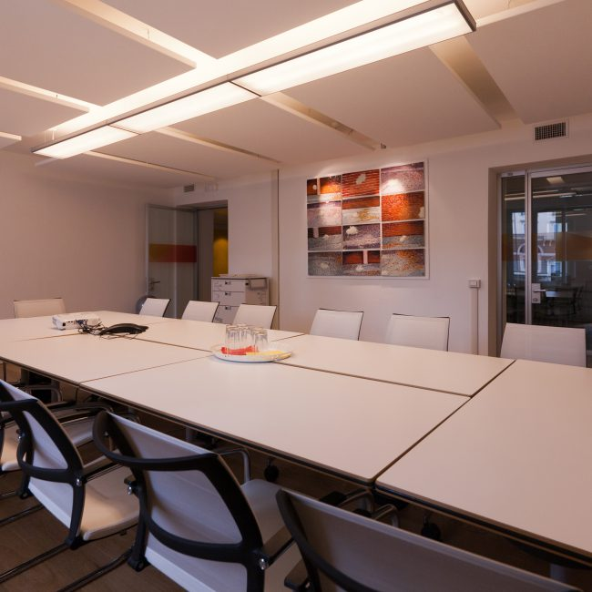 A formal office interior design with a luxury touch - Mastercard - Italy