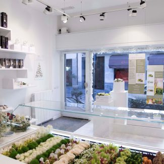 A flowery shop fitting project - MIMI' & CO - Italy