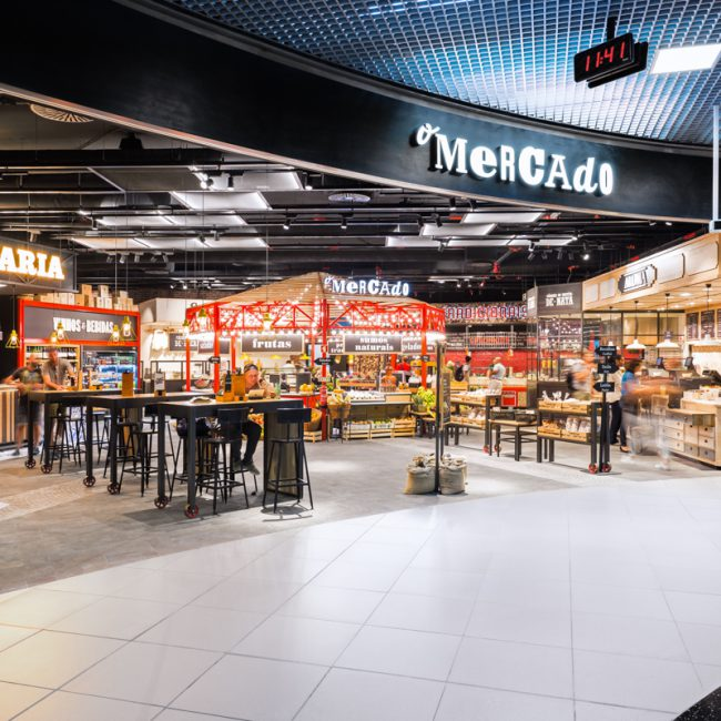 Construction works for a food court - O Mercado - Portugal