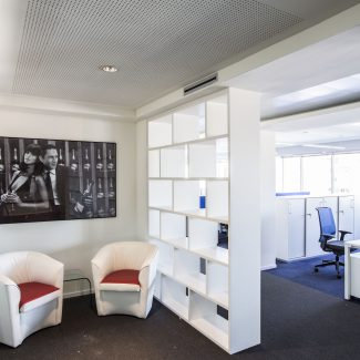 A lounge area integrated into the workspace - PERNOD RICARD - Italy