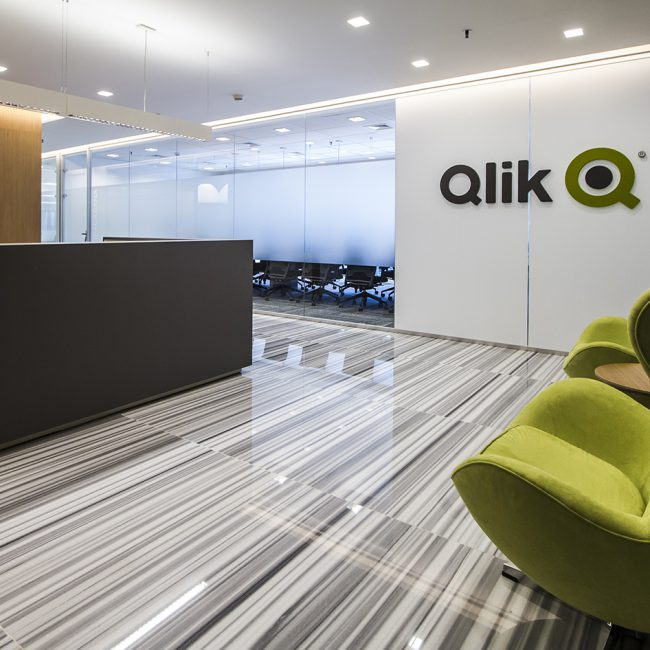 Office delivered in record time - Qlik - Brazil