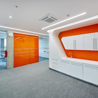 Hi-tech Office Design - RAY SERVICE - Czech Republic
