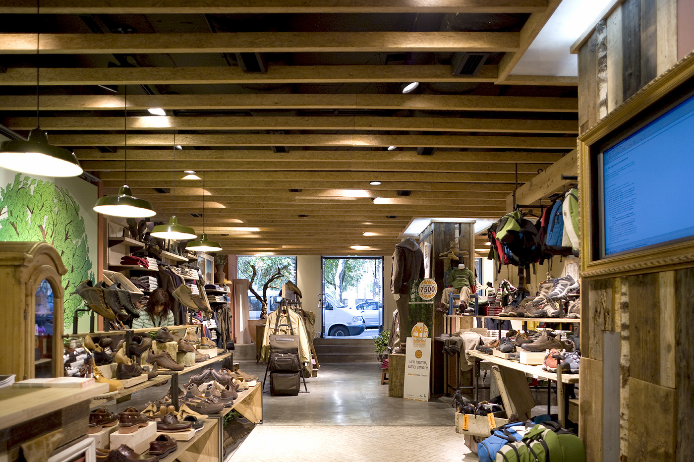 tumor En marcha Comprimir  Construction works for fashion and accessories store - Timberland -  Tetris-db